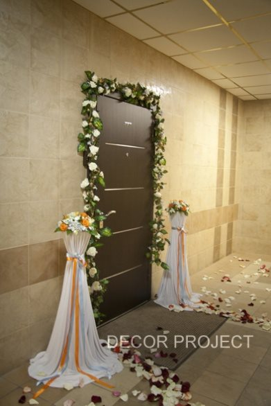 svadebnyj dekor podezda
