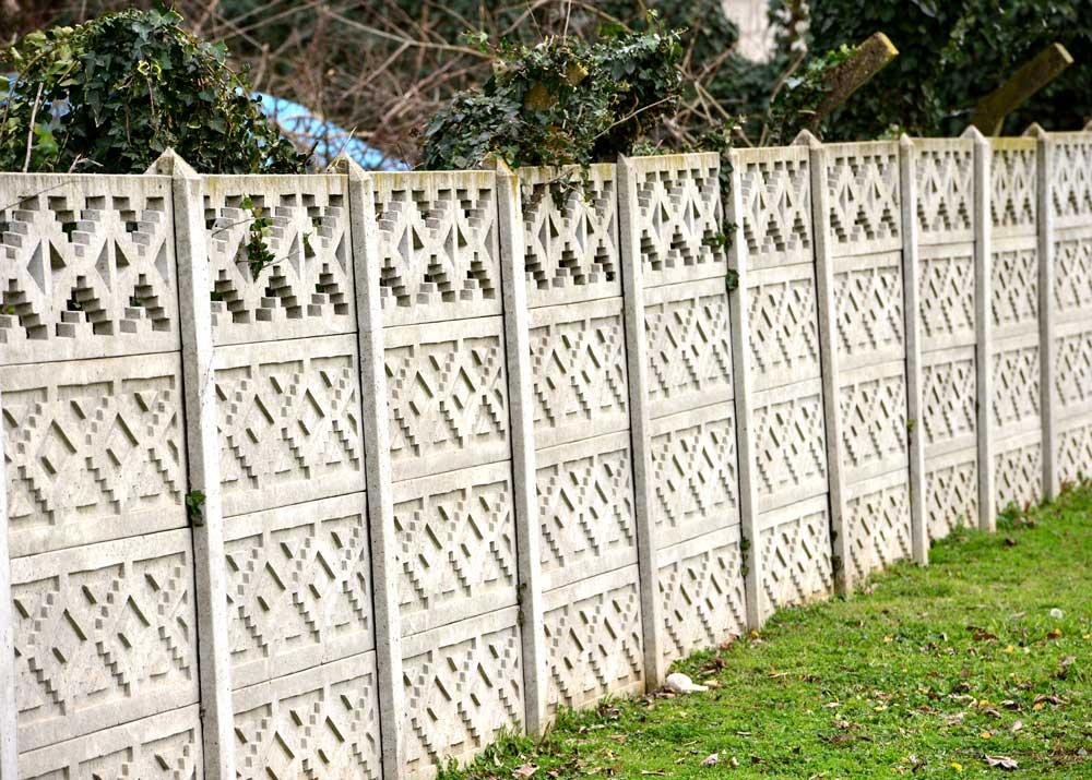 proizvodstvo dekorativnyh betonnyh zaborov